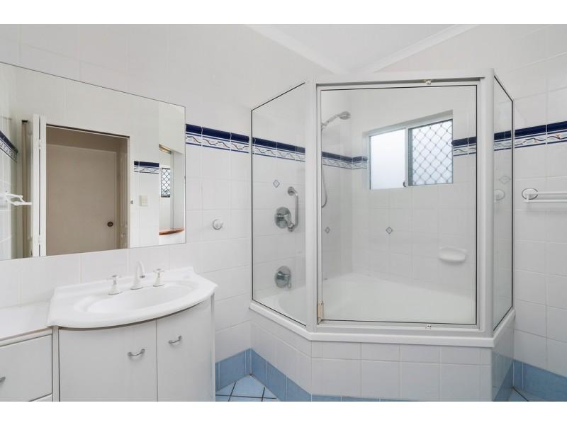 6 Mclaughlin Road, Bentley Park QLD 4869