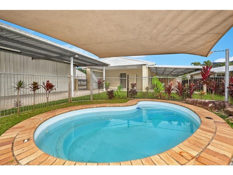 77 Bathurst Drive, Bentley Park QLD 4869