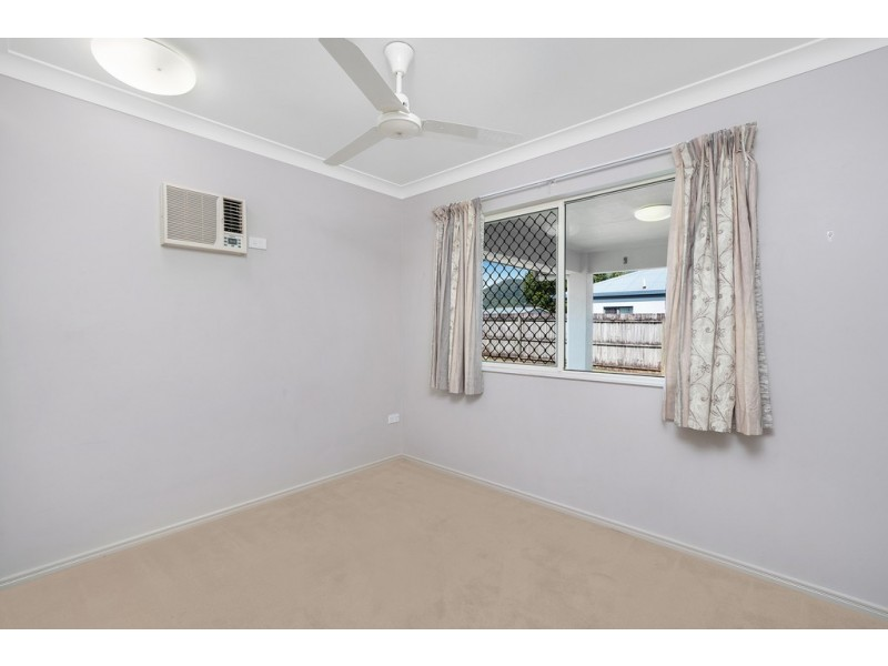 6 Neales Street, Bentley Park QLD 4869