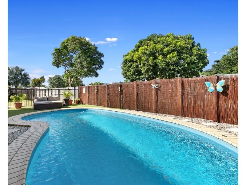 2 Calvert Close, Bentley Park QLD 4869