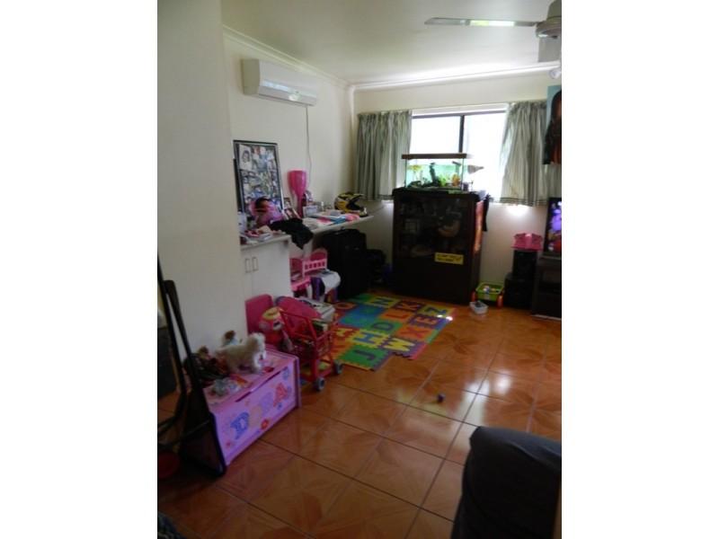 16 Beatrice Street, Mooroobool QLD 4870