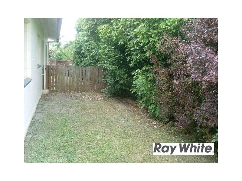 10 Lorraine Close, Bentley Park QLD 4869
