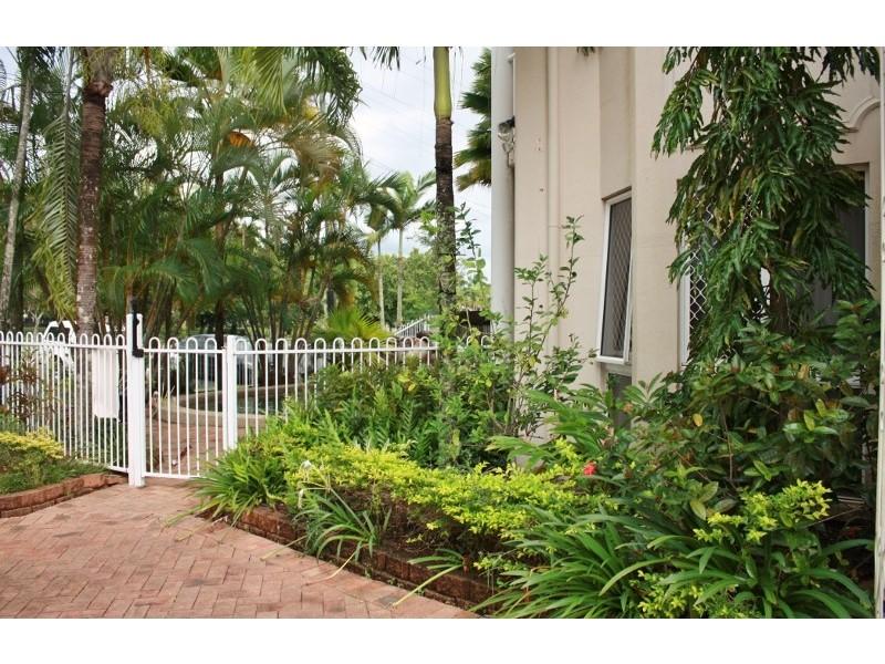 1 / 182 McLeod Street, Cairns North QLD 4870