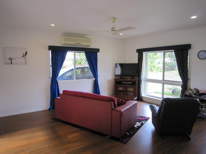 238 Robert Road, Bentley Park QLD 4869