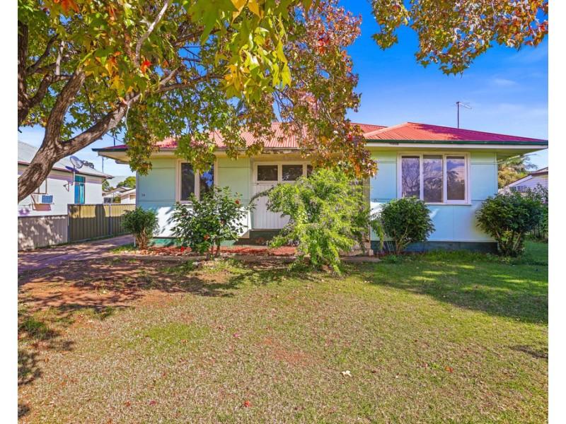 2A Petra Avenue, Tamworth NSW 2340