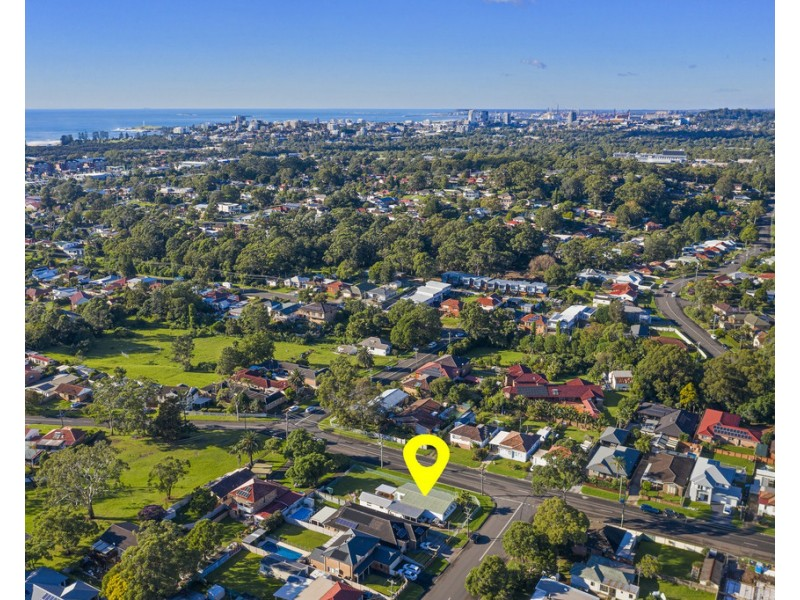 83 Russell Street, Balgownie NSW 2519
