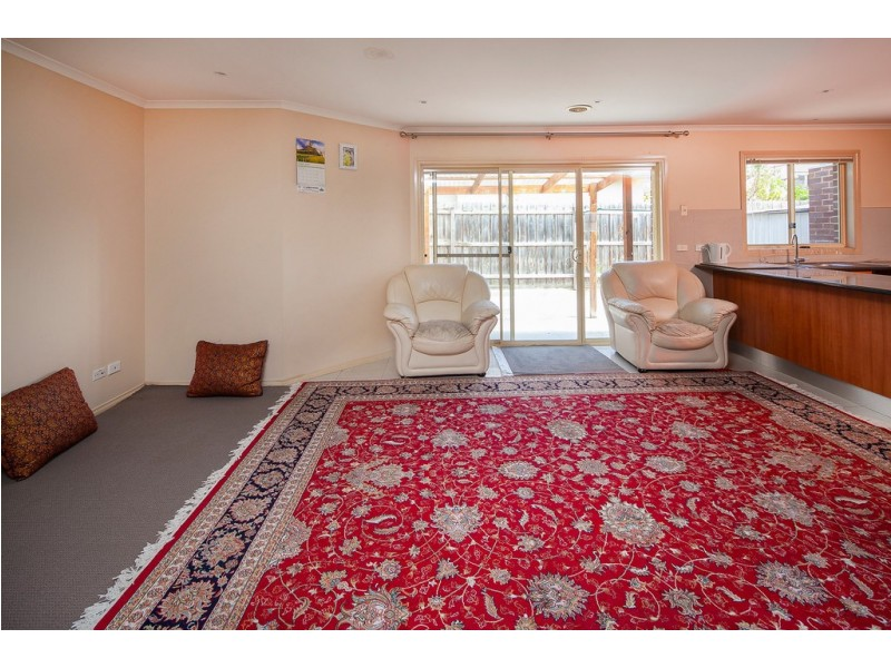 1/17 Burrows Ave, Dandenong VIC 3175