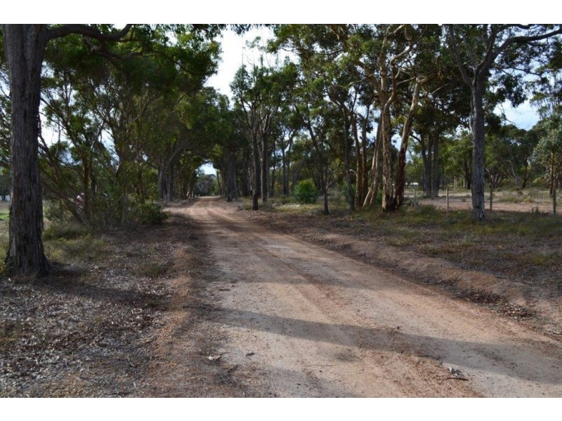 Lot 403 Third Avenue, Kendenup WA 6323