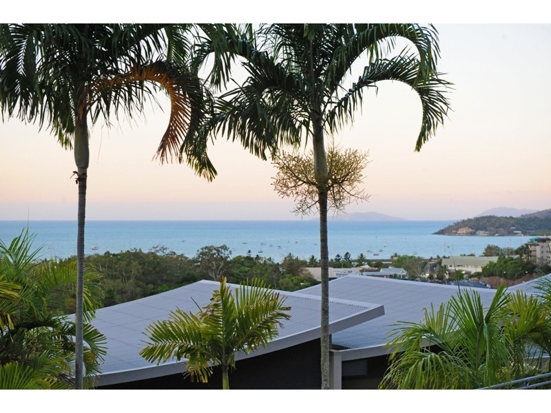 8/18-34 Raintree Place, Airlie Beach QLD 4802
