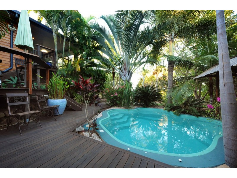 42 Gloucester Avenue, Hideaway Bay QLD 4800