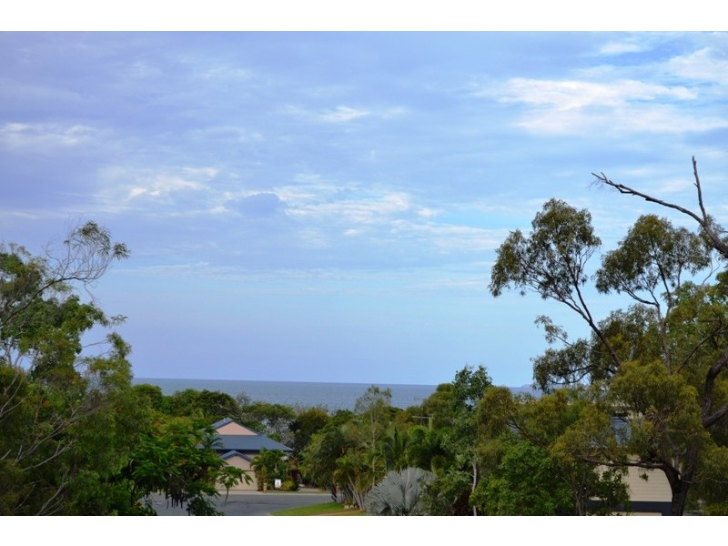 13 Rattray Avenue, Hideaway Bay QLD 4800
