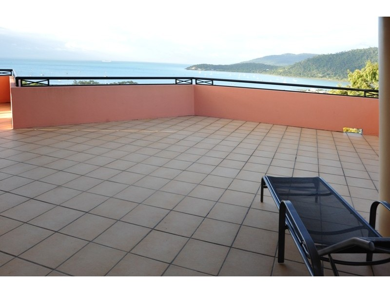 8/18 Golden Orchid Drive, Airlie Beach QLD 4802