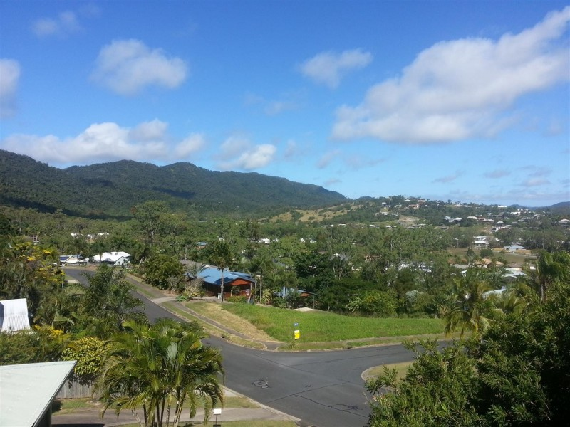 39 Country Road, Cannonvale QLD 4802