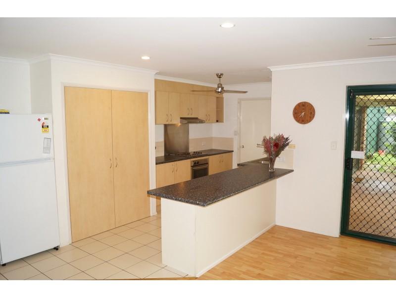1 Esk Terrace, Cannonvale QLD 4802