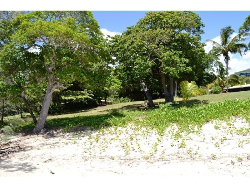 62 Gloucester Avenue, Hideaway Bay QLD 4800