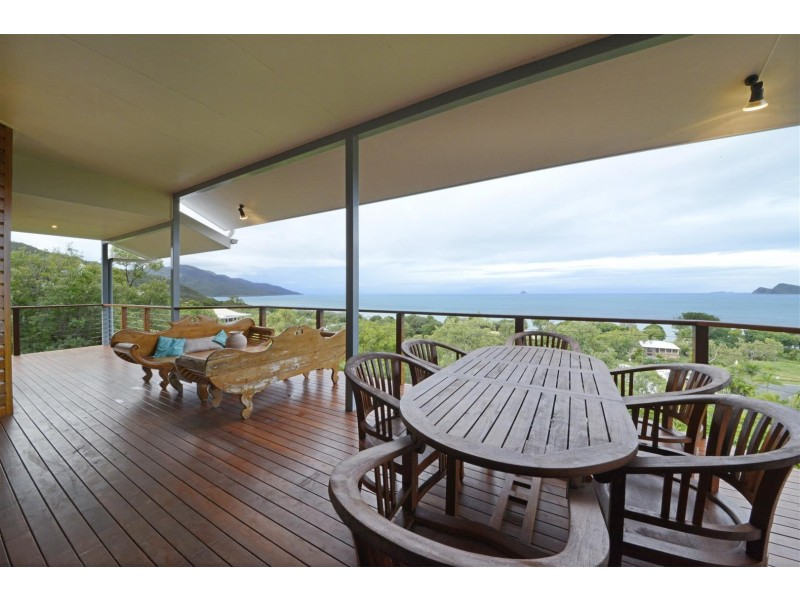 7 Blackcurrant Drive, Hideaway Bay QLD 4800