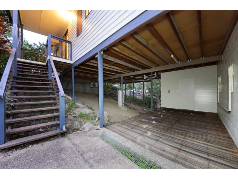 1/6 Border Drive, Cannonvale QLD 4802