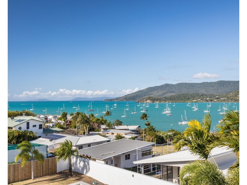 7 Summit Avenue, Airlie Beach QLD 4802