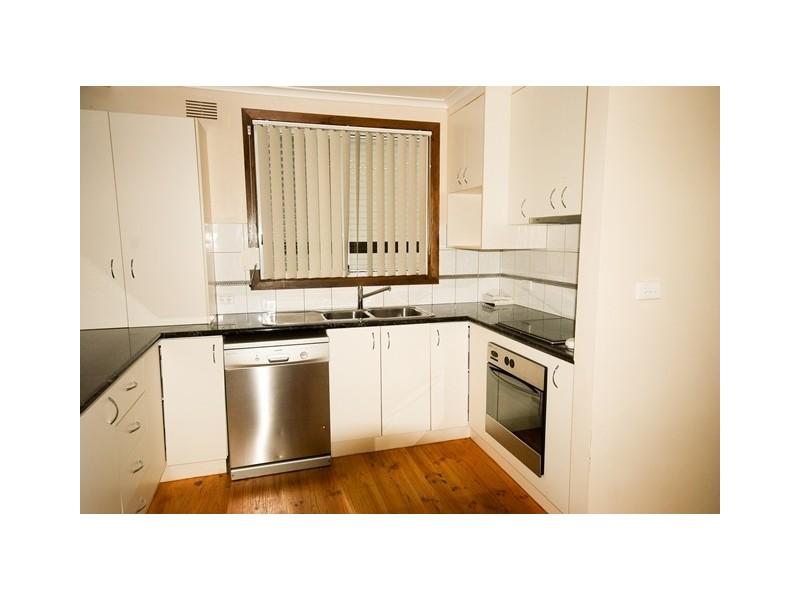 4 Marnock Place, Ashmont NSW 2650