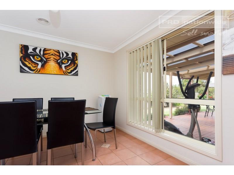 74 Yentoo Drive, Glenfield Park NSW 2650
