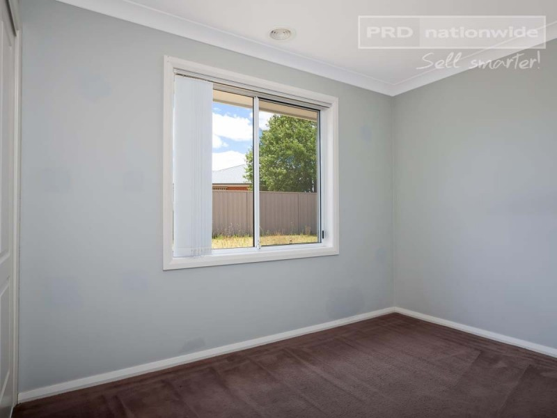2 Birri Place, Glenfield Park NSW 2650