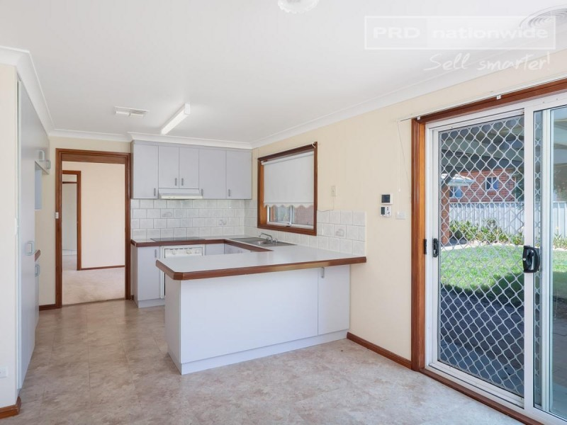 61 Lamilla Street, Glenfield Park NSW 2650