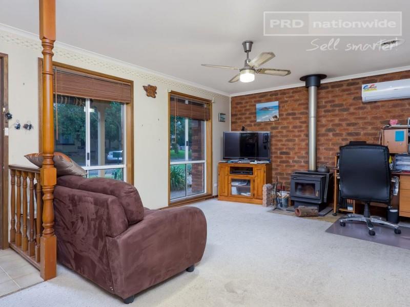 9 Craft Street, Lake Albert NSW 2650