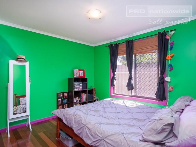 34 Forrest Street, Lake Albert NSW 2650