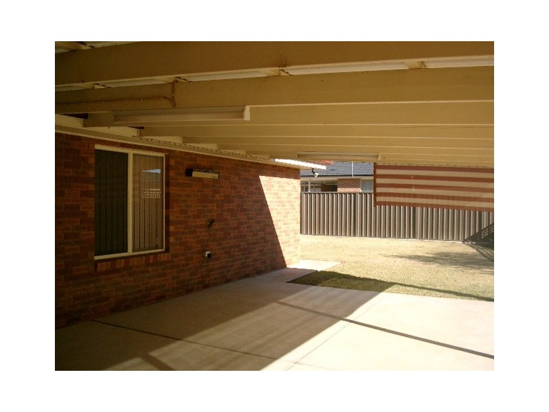 34 Yentoo Drive, Glenfield Park NSW 2650