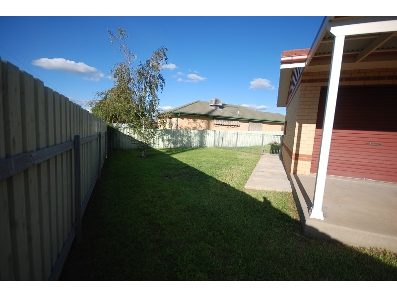 3 Girraween Mews, Glenfield Park NSW 2650