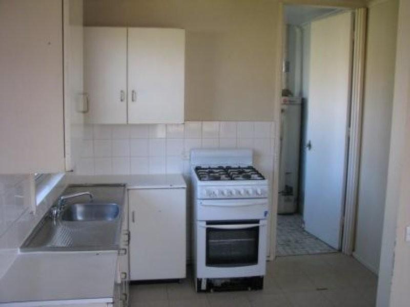 42 Blakemore  Street, Ashmont NSW 2650
