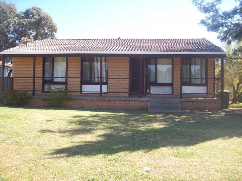 8 Arnott Street, Ashmont NSW 2650