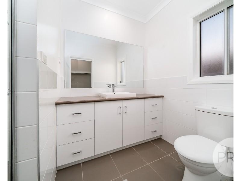 4 Watson Boulevard, Lloyd NSW 2650