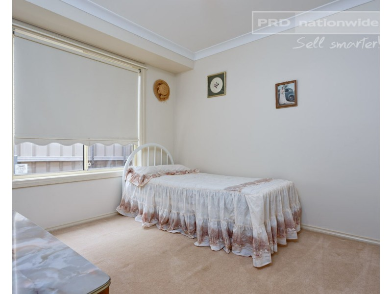 27 Nunkeri Street, Glenfield Park NSW 2650