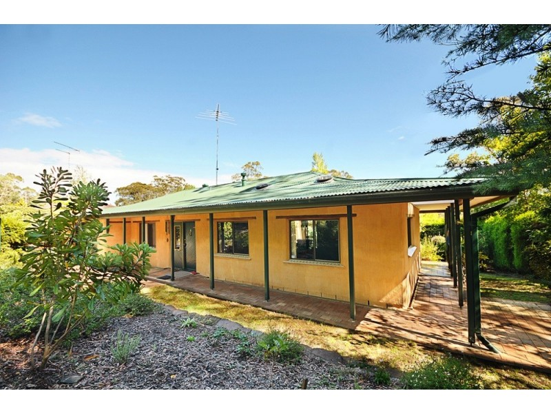 8 Mountbatten St, Blackheath NSW 2785