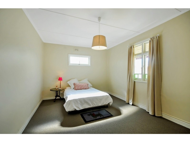 70 Laurence St, Lithgow NSW 2790