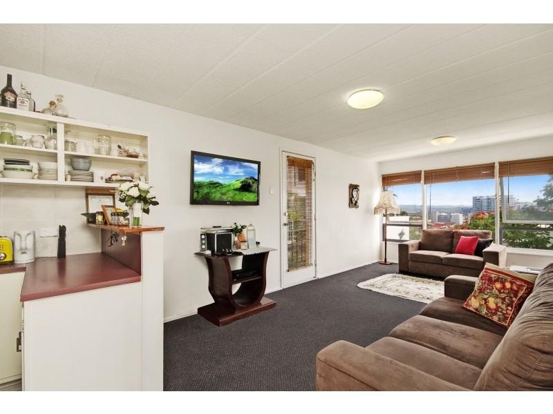 11/30 Powell Crescent, Coolangatta QLD 4225