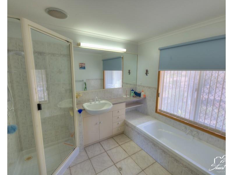 1 Woodrow Drive, Agnes Water QLD 4677