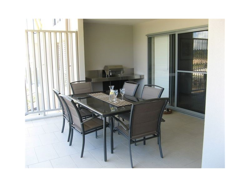 0/119 Beaches Village Cct, Agnes Water QLD 4677