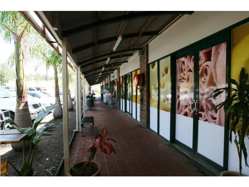 Shop 6 Agnes Water Shopping Centre Round Hill Road, Agnes Water QLD 4677