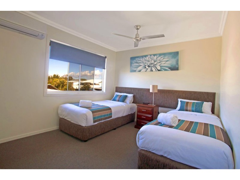 Unit 10/2 Beaches Village Circuit, Agnes Water QLD 4677