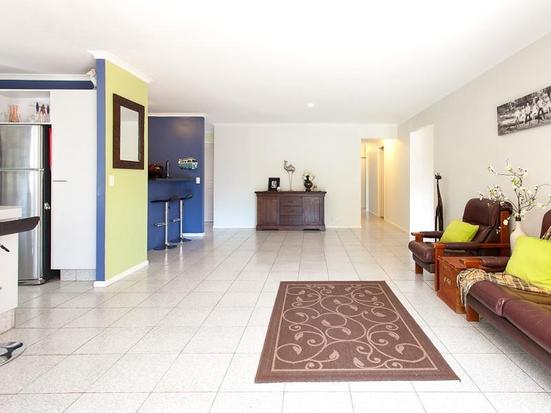 16 Eucalyptus Place, Albany Creek QLD 4035