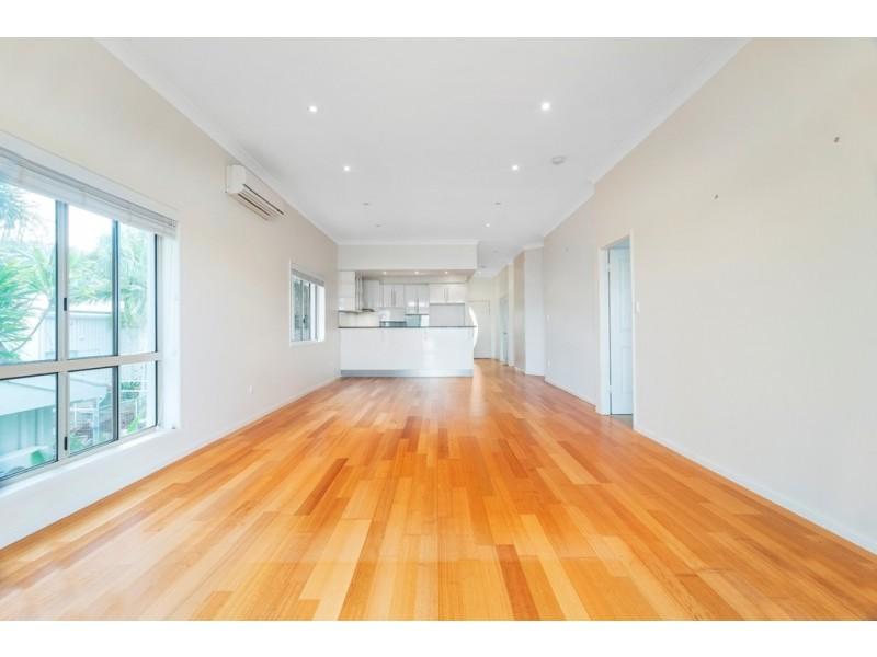 Unit 1, 43 Strow Street, Barlows Hill QLD 4703