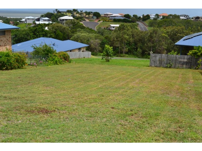 13 Pacific Vista Close, Pacific Heights QLD 4703