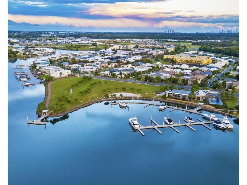 31 North Quay Circuit, Hope Island QLD 4212