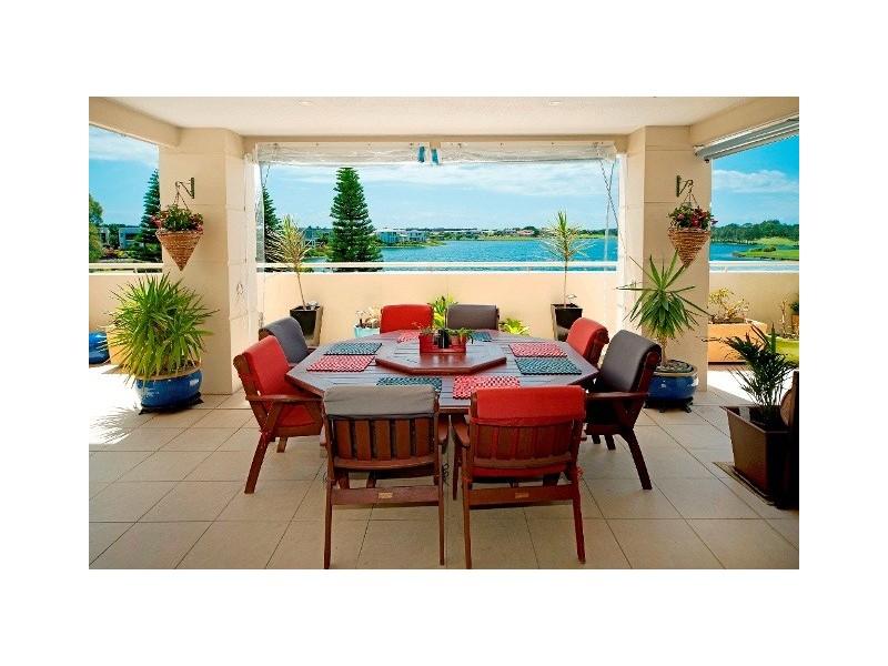 8315 Magnolia Drive East, Hope Island QLD 4212
