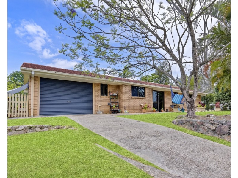 8 Holly Green Crescent, Palmwoods QLD 4555