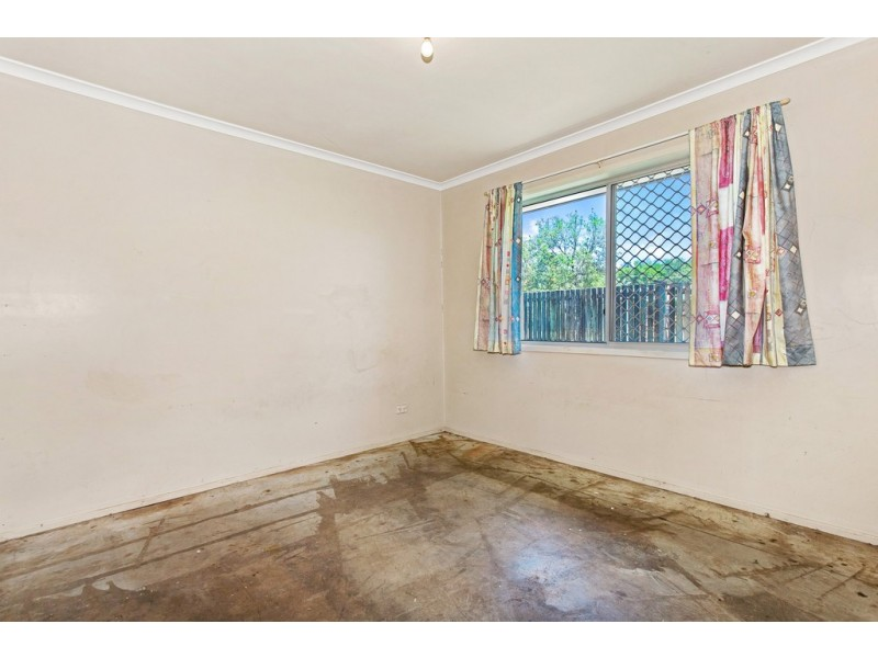 35 Frances Street, Mooroobool QLD 4870