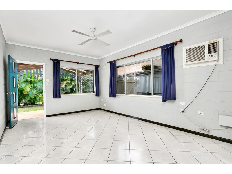 265 McLeod Street, Cairns North QLD 4870