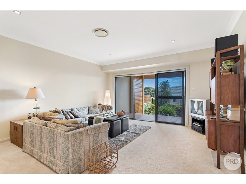 2/26 Kanangra Avenue, Corlette NSW 2315